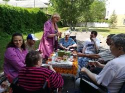 Летние чаепития, прогулки и досуг паллиативных больных в Липецкой больнице. _1