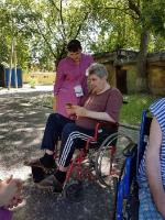 Летние чаепития, прогулки и досуг паллиативных больных в Липецкой больнице.