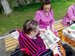 Летние чаепития, прогулки и досуг паллиативных больных в Липецкой больнице. _9